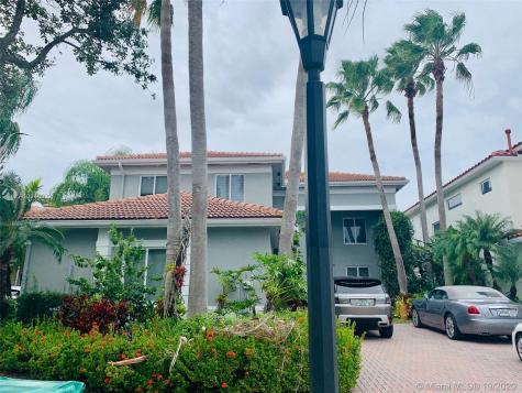 1549 NE 194 St Miami FL 33179