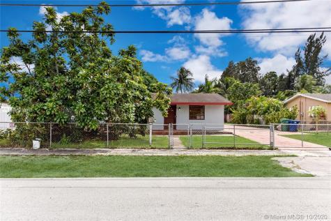 4270 NW 196th St Miami Gardens FL 33055