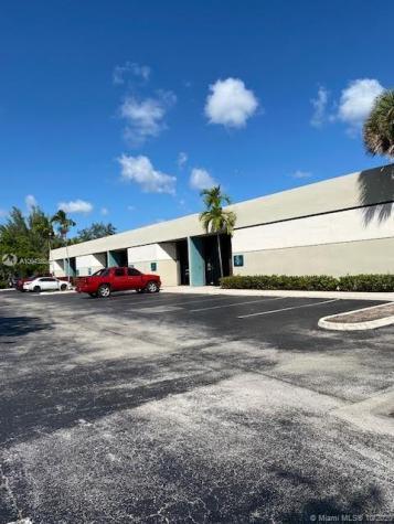 13501 SW 128th St Miami FL 33186