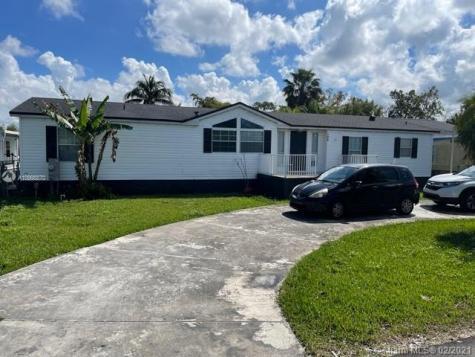 19800 SW 180th Ave LOT 105 Miami FL 33187
