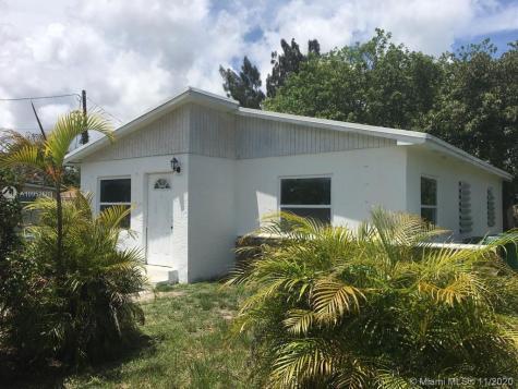 10081 W Jessamine St Miami FL 33157