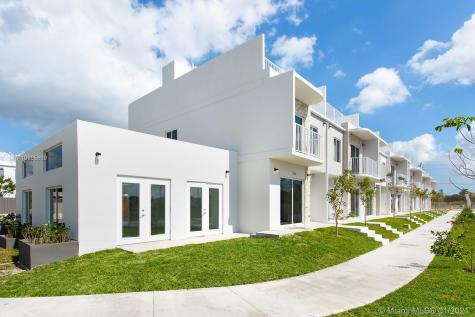 13738 SW 259 Ln Miami FL 33032