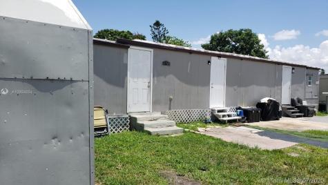 1191 SW 128 Ave Miami FL 33184