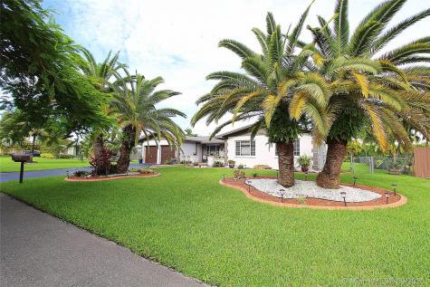 12121 SW 119th Pl Miami FL 33186