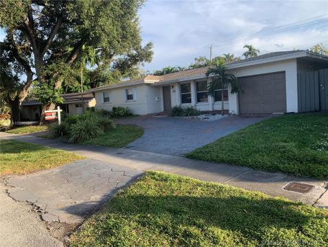 2140 NE 205th St Miami FL 33179