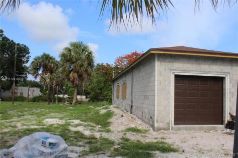 310 NW 28 Terr Fort Lauderdale FL 33311