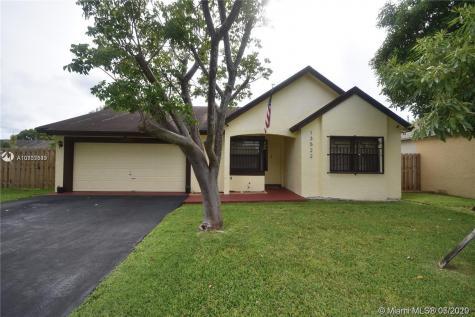 13522 SW 112th Pl Miami FL 33176