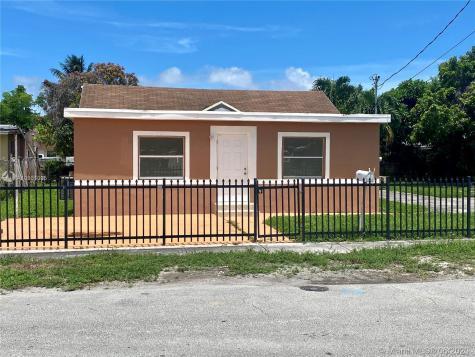 8135 NW 15th Ave Miami FL 33147