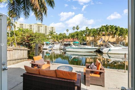 Miami FL 33136