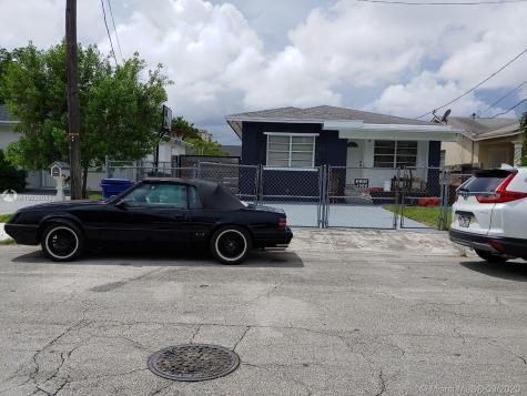 5368 NW 24th Pl Miami FL 33142