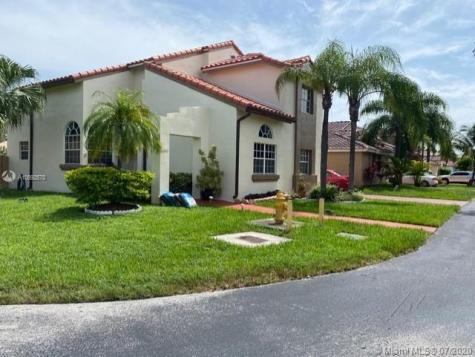 16085 SW 112th Ter Miami FL 33196