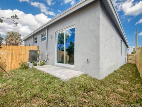 837 NW 14th Way Fort Lauderdale FL 33311