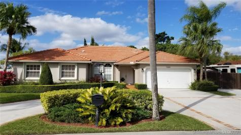 15081 SW 154th Ter Miami FL 33187