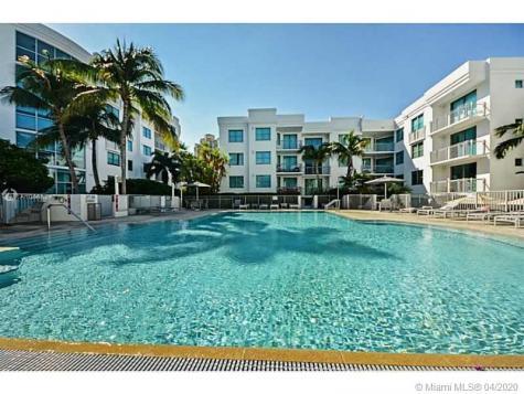 110 Washington Av Miami Beach FL 33139