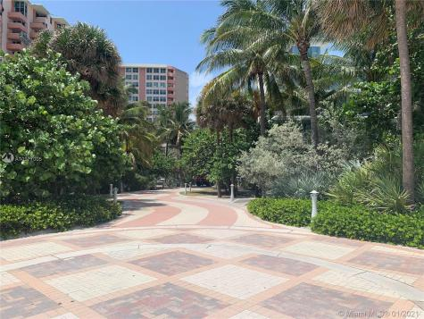 2899 W Collins Ave Miami Beach FL 33140