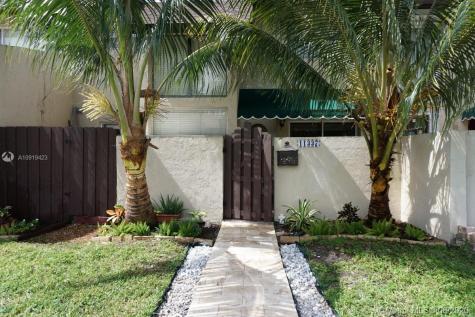 11337 SW 69th Ter Miami FL 33173
