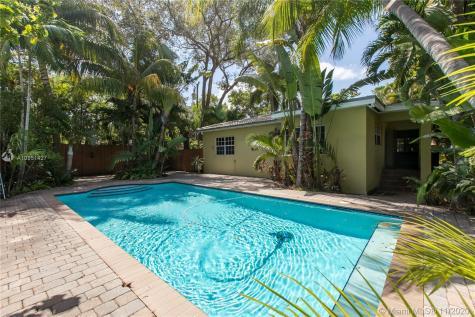 2535 Tequesta Ln Miami FL 33133