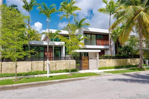 3230 Crystal Ct Miami FL 33133