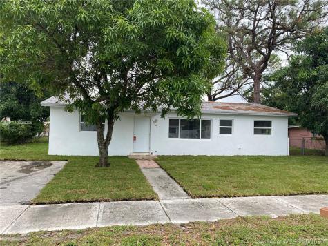 20801 NW 37th Ct Miami Gardens FL 33055