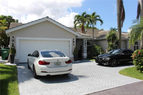 15614 SW 42nd Ter Miami FL 33185