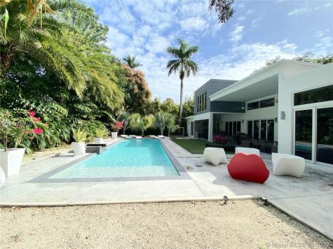 3925 Leafy Way Miami FL 33133