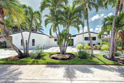 2050 NE 203rd Street Miami FL 33179