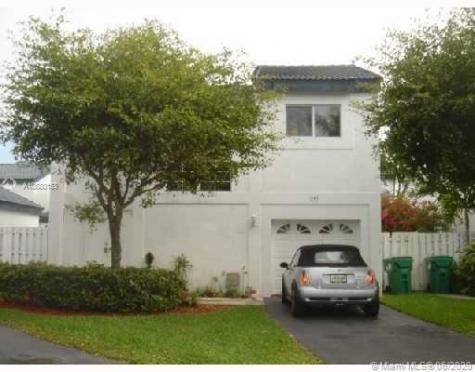 281 NE 211th St Miami FL 33179
