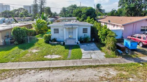 1284 NE 111th St Miami FL 33161