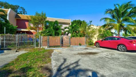 631 NW 10th St Miami FL 33136
