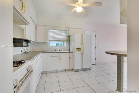 3200 SW 20th Ct Fort Lauderdale FL 33312