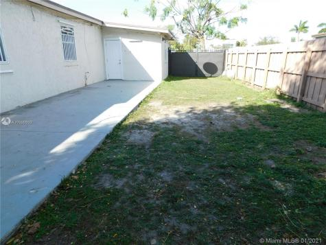 11220 SW 40th St Miami FL 33165