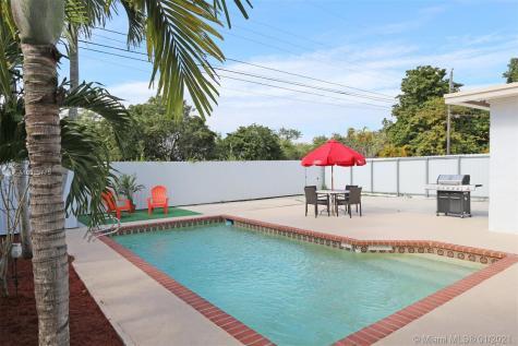 2920 SW 69th Ave Miami FL 33155