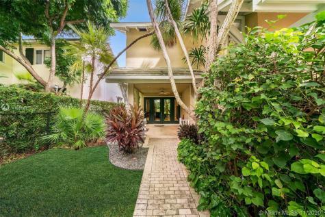 3601 N Bay Homes Dr Miami FL 33133