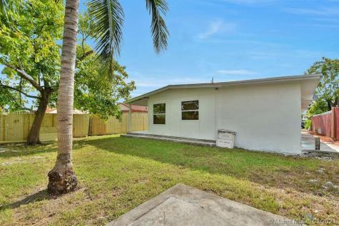 3538 SW 87th Ct Miami FL 33165