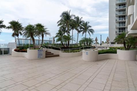 5757 Collins Ave Miami Beach FL 33140