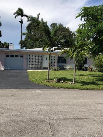 421 NE 116th St Miami FL 33161