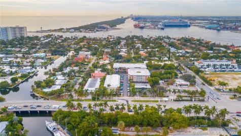 2424 SE 17th Cswy Fort Lauderdale FL 33316