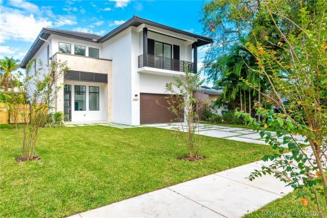 6137 SW 26th St Miami FL 33155