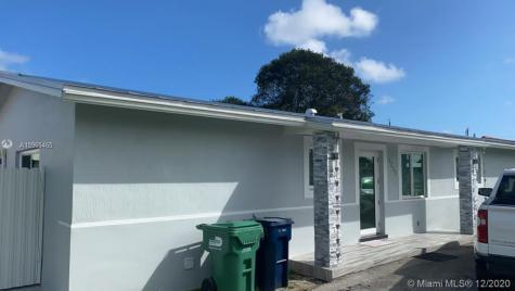 4215 SW 98th Ct Miami FL 33165