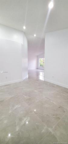 12064 SW 137th Ter Miami FL 33186