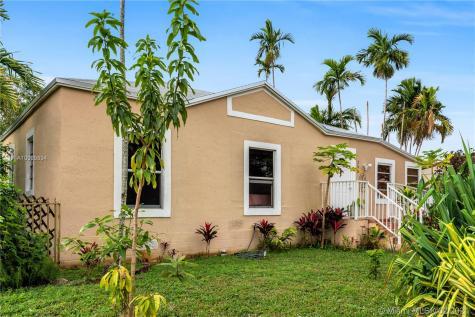 250 N Corydon Dr Miami Springs FL 33166