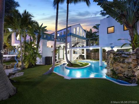 3005 Washington St Miami FL 33133