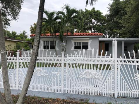 411 NE 164th St Miami FL 33162