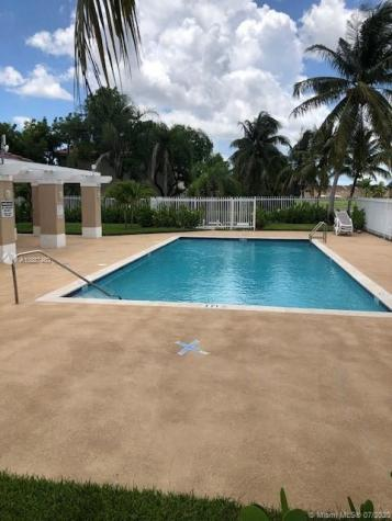 13939 SW 174th Ter Miami FL 33177