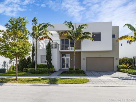7555 NW 100th Ave Miami FL 33178