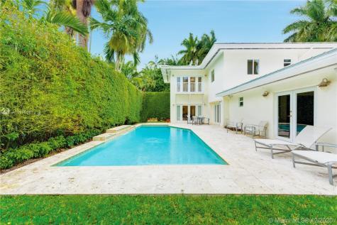 1600 W 27th St Miami Beach FL 33140