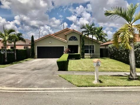 910 NW 136th Pl Miami FL 33182
