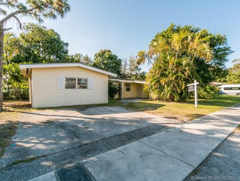 680 NE 172nd Ter Miami FL 33162