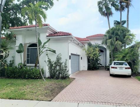 1668 Diplomat Dr Miami FL 33179