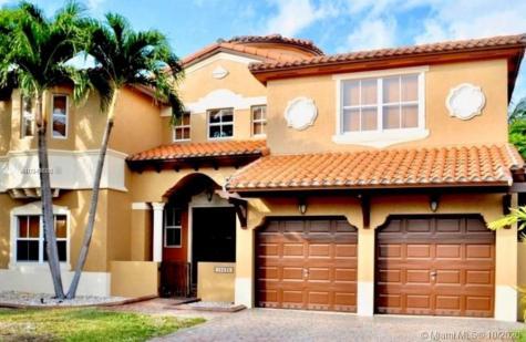 15525 SW 26 Te Miami FL 33185